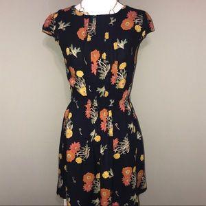 🍃 Beautiful Asos floral dress size 4